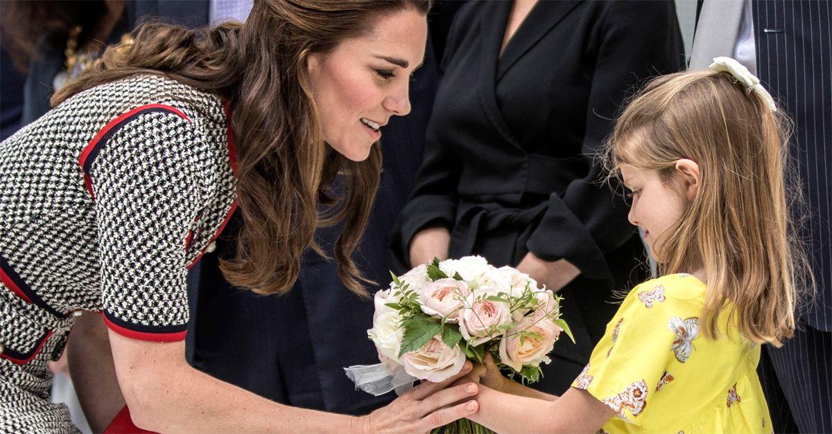 Londra. L'eleganza innata di Kate Middleton stupisce in Gucci: l'abito ricorda lo stile di Jackie Kennedy