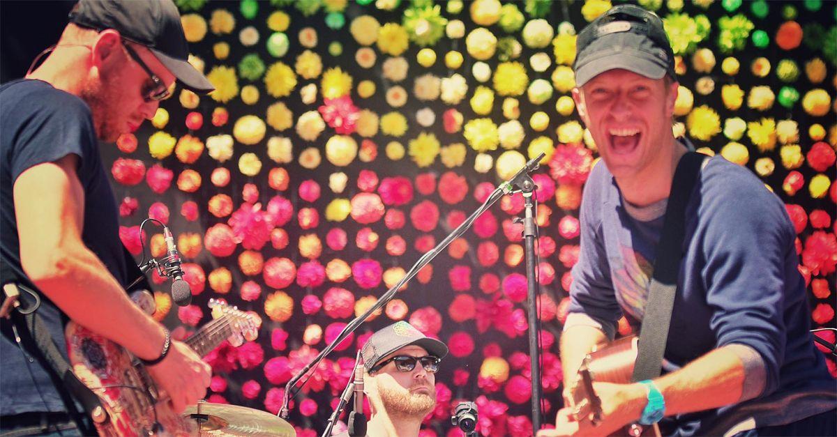 Coldplay, una canzone per aiutare i migranti in fuga nel Mediterraneo. ecco 'Aliens'