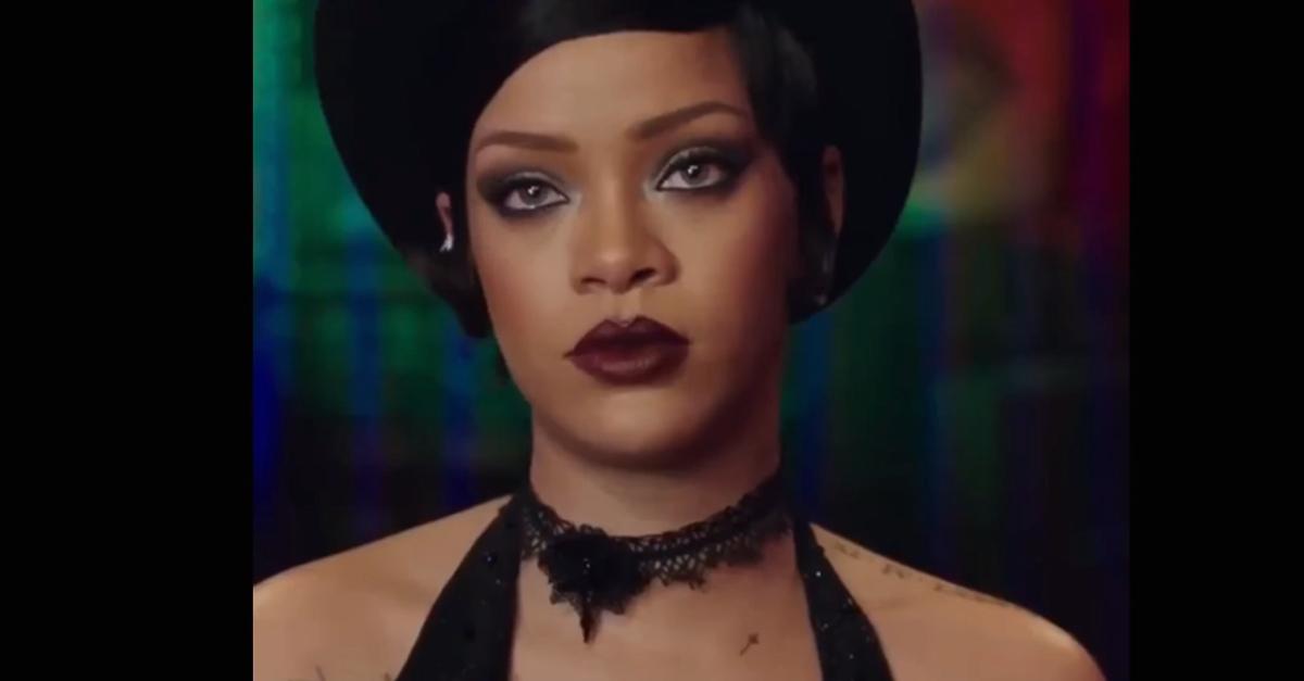 Rihanna recita nel nuovo film di Luc Besson, è una sexy aliena
