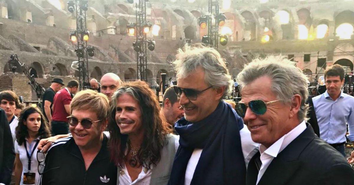 """""""Andrea Bocelli Show"""" al Colosseo: con lui Elton John, Sharon Stone, Banderas e tanti altri"""