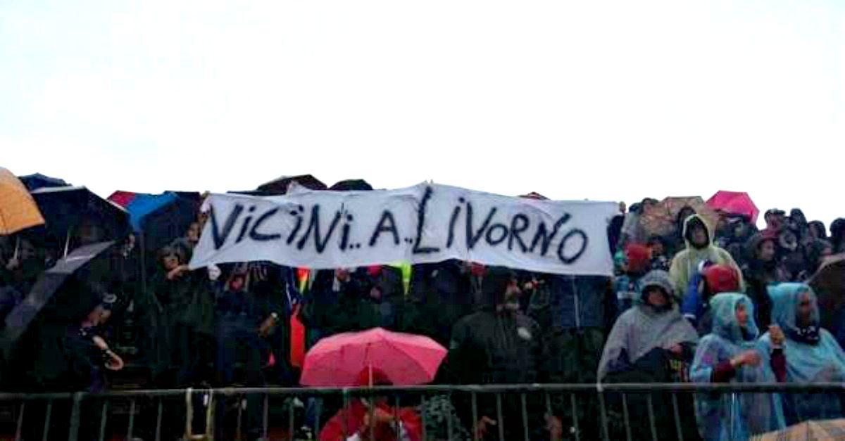 """Livorno, l'abbraccio dagli acerrimi rivali del Pisa: """"Queste tragedie non hanno colore"""""""