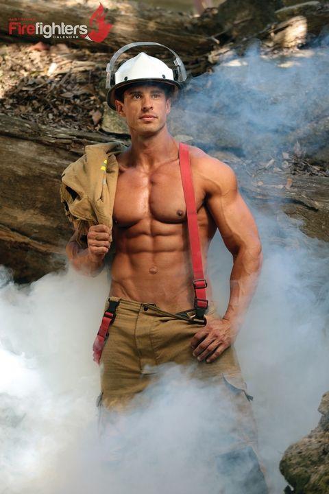 Calendario Pompieri Americani.Muscoli E Coraggio Il Calendario Dei Pompieri Del 2018 E