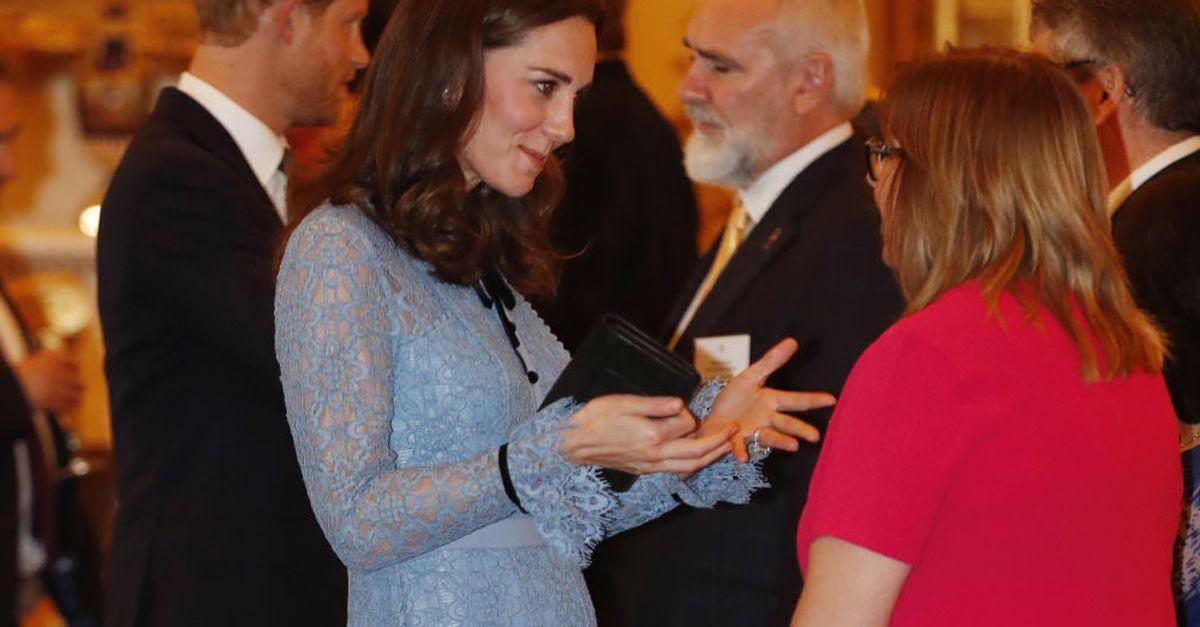 Kate Middleton, prima uscita ufficiale con il terzo 'pancino'
