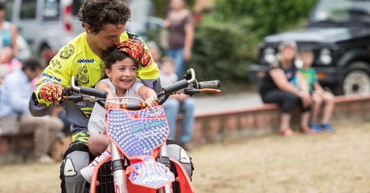 DJCI. Vanni Oddera, quando la moto è terapia. Il campione di  Freestyle che fa 'volare' i bambini