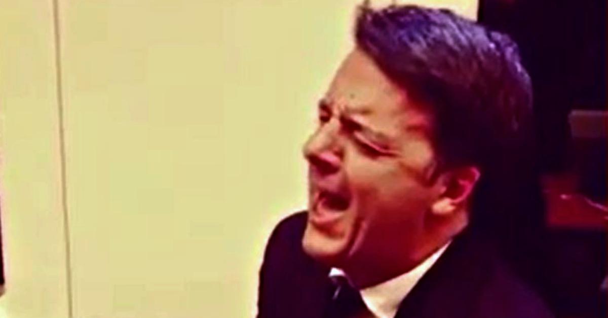 """Matteo Renzi canta """"La musica non c'è"""" di Coez: """"Stai stonando tutto caz*o!"""""""