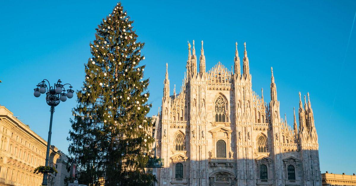Albero Di Natale Milan.Albero Di Natale In Piazza Duomo Accensione Radio Deejay