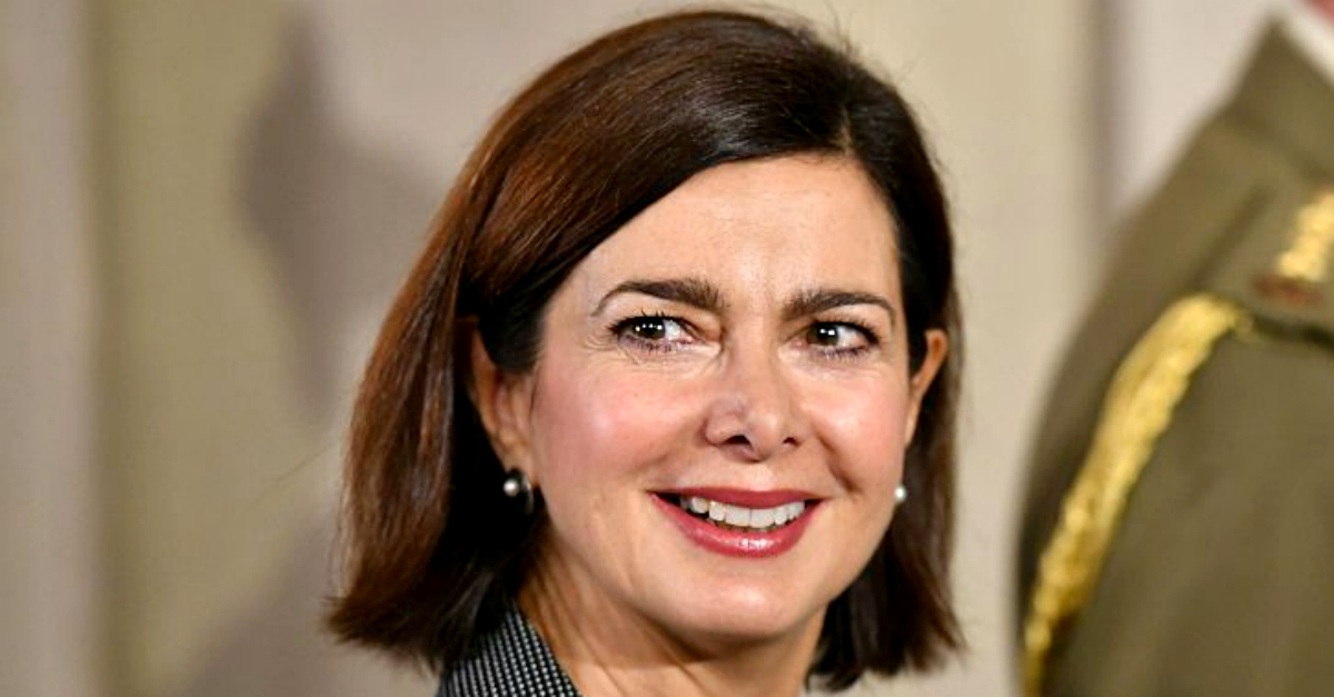 Tuttorial, Laura Boldrini reagisce alla fake news del nipote assunto a 8000€ al mese
