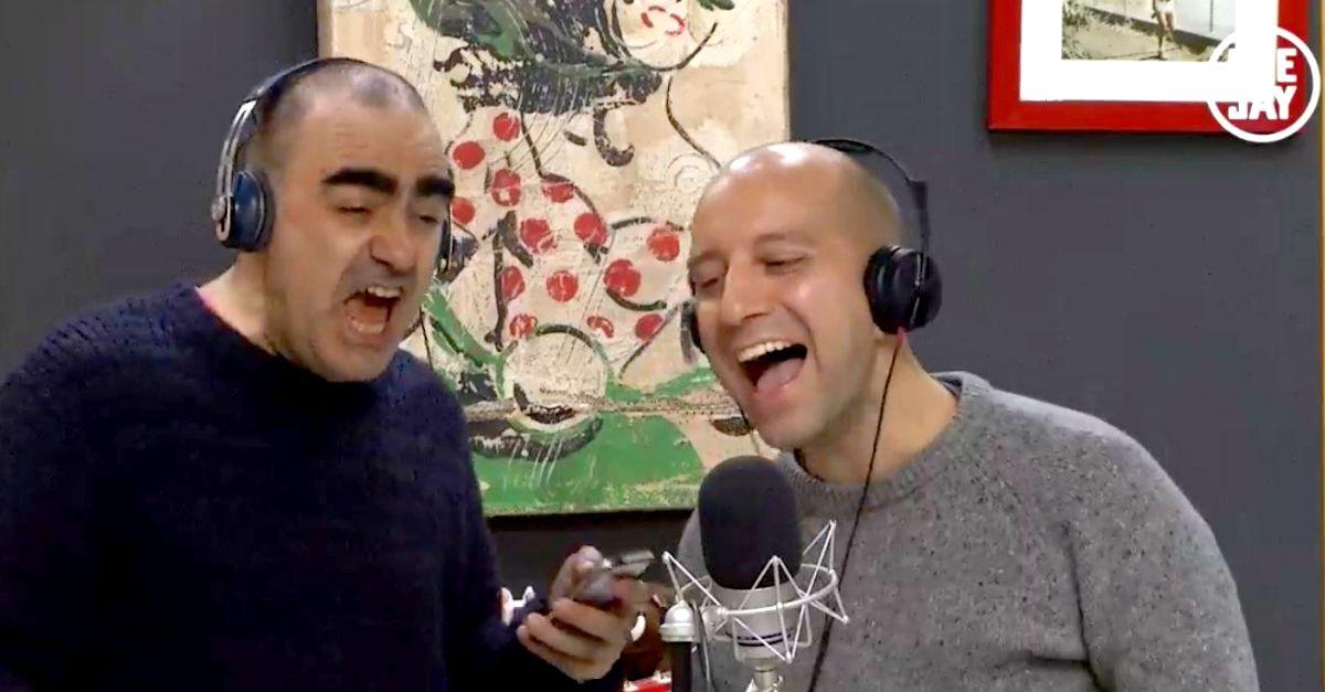 Matteo Curti canta gli U2: il karaoke con Elio in diretta a Cordialmese