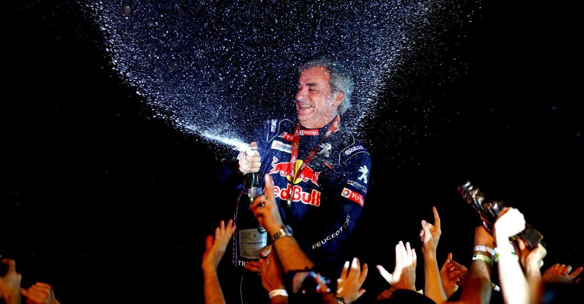 A 55 anni Carlos Sainz vince la Parigi-Dakar: il racconto della gara a Deejay Sporting Club