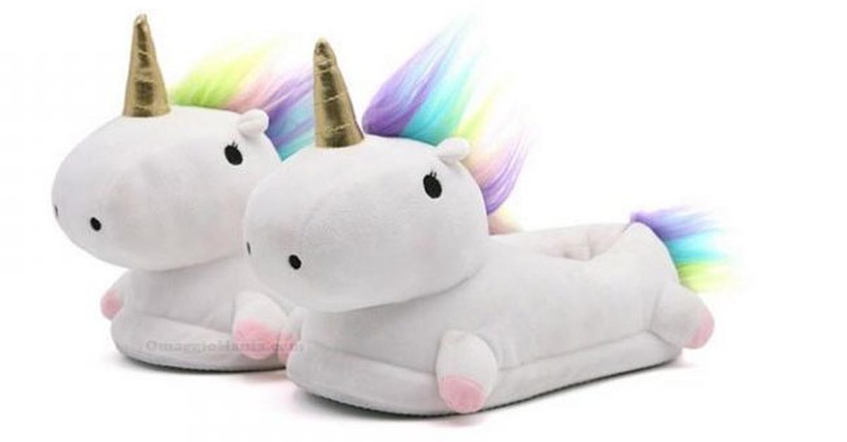 Le pantofole unicorno che si illuminano sono tutto quello che stavate aspettando