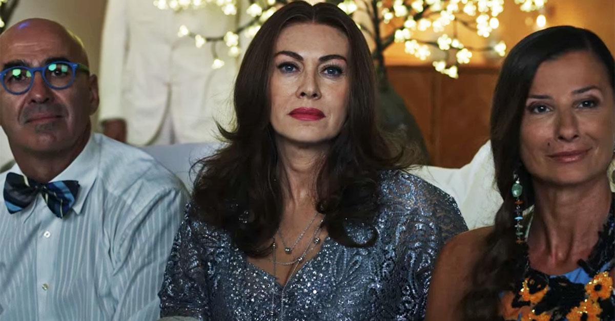 Nel trailer di 'Loro 1' di Sorrentino, Berlusconi canta Malafemmena. Elena Sofia Ricci è Veronica Lario