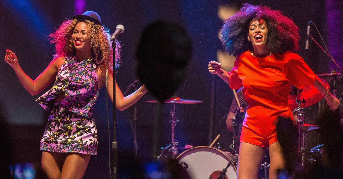 Coachella, Beyoncé tenta di sollevare la sorella Solange e cade sul palco