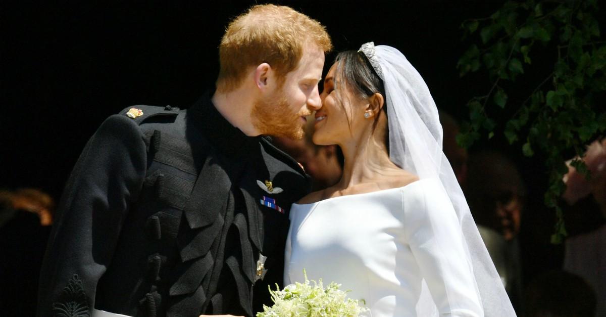 Matrimonio Harry In Chiesa : Labito e lingresso in chiesa da sola: tutti i dettagli del
