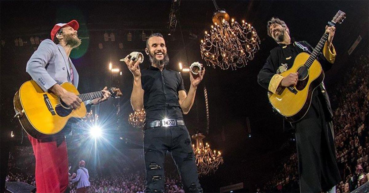 """All'asta per beneficenza i lampadari del tour di Jovanotti: """"Sono oggetti magici"""""""
