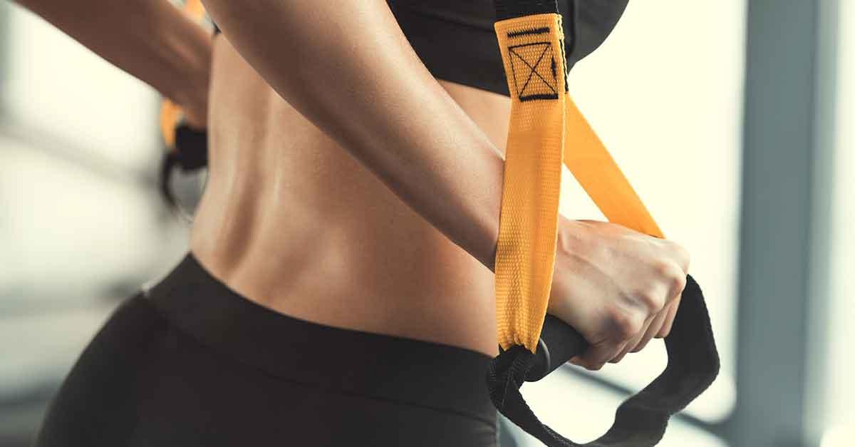 TRX, come funziona l'allenamento (da fare anche a casa) che unisce forza fisica e agilità