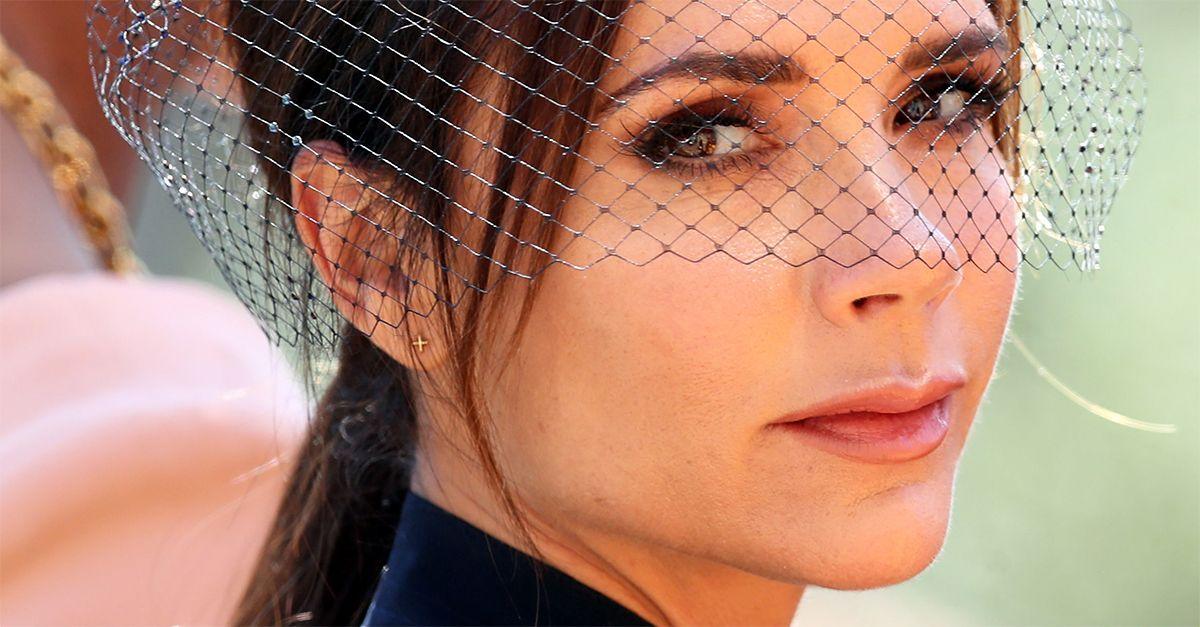"""""""Non sorridi mai"""", Victoria Beckham risponde (con molta ironia) alle critiche"""