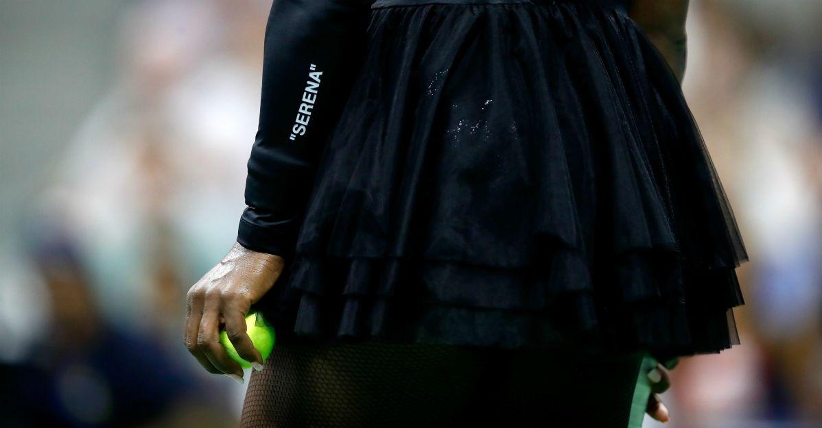 Serena Williams che stile: criticata per la tutina, torna in campo col tutù