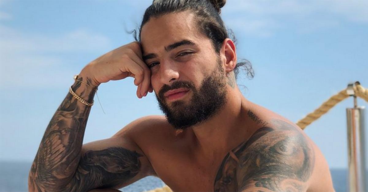 Maluma hot in Sicilia: le fan italiane gli lanciano un reggiseno sul palco