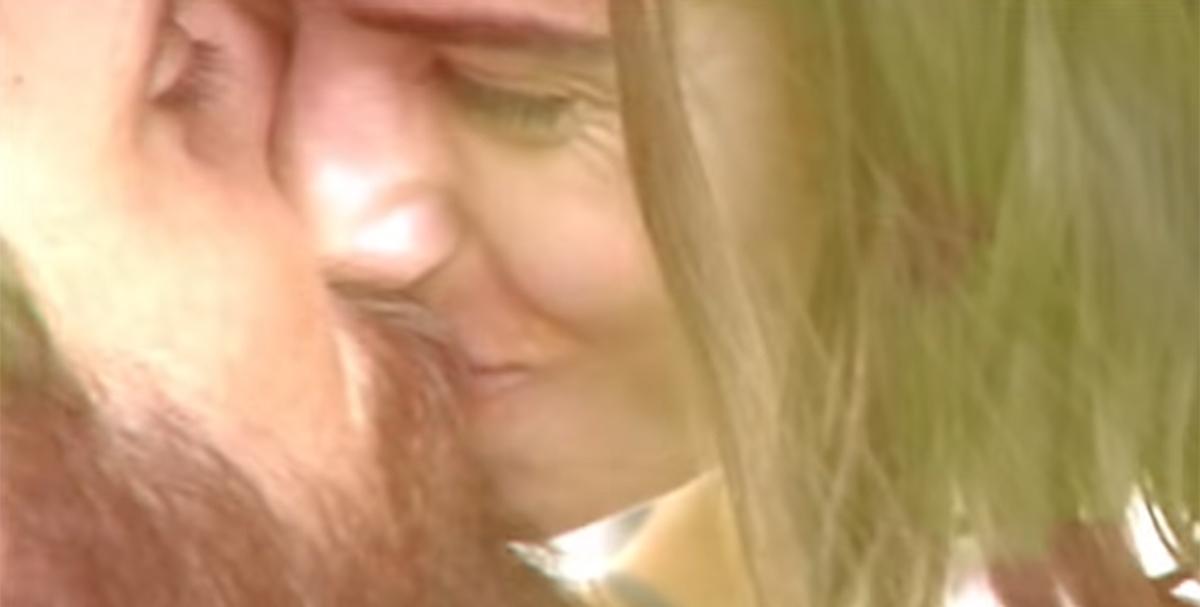 Tommaso Paradiso bacia la ragazza Carolina nel nuovo video dei Thegiornalisti 'New York'