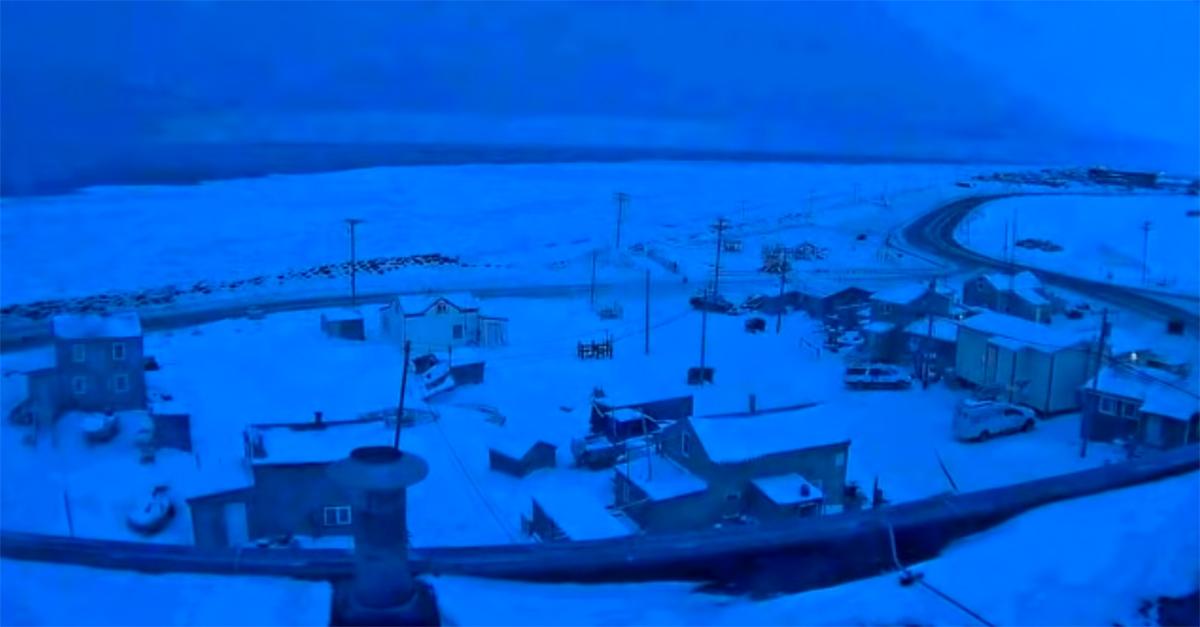 Alaska, è iniziata la lunga notte polare nella città di Utqiagvik: senza sole per 65 giorni