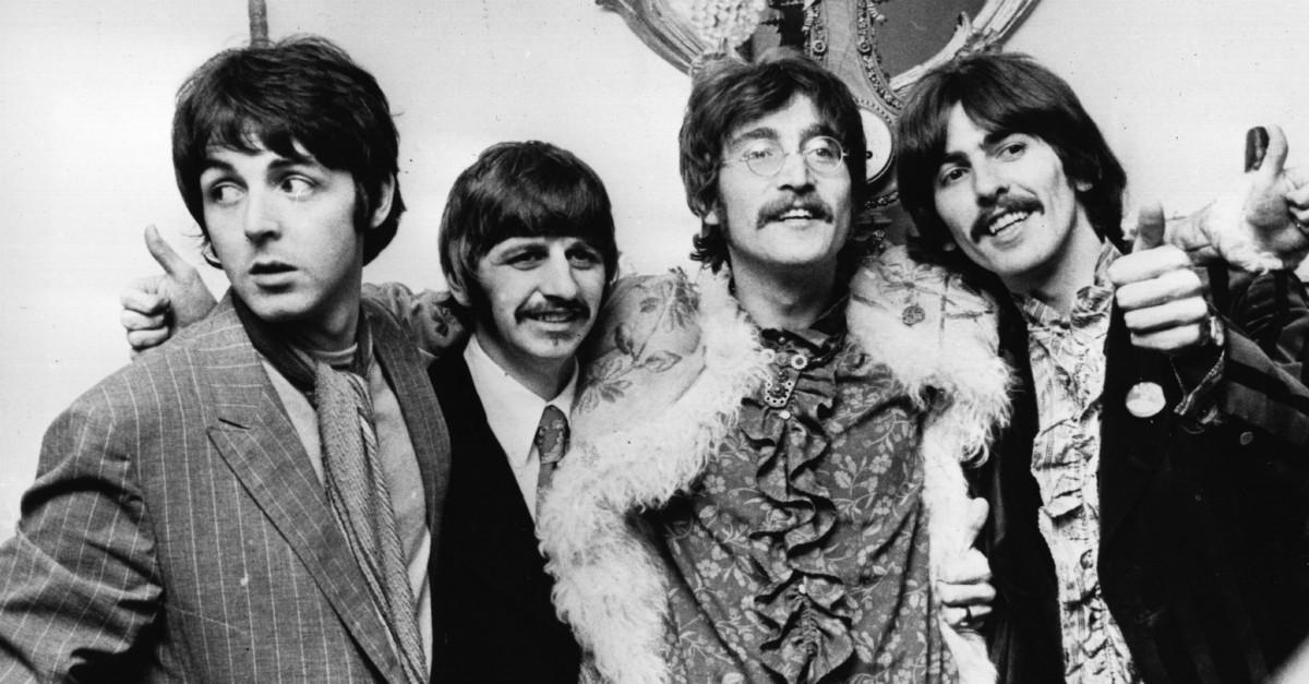 """""""I Beatles sono più famosi di Dio"""": tutti i record dei Fab Four"""