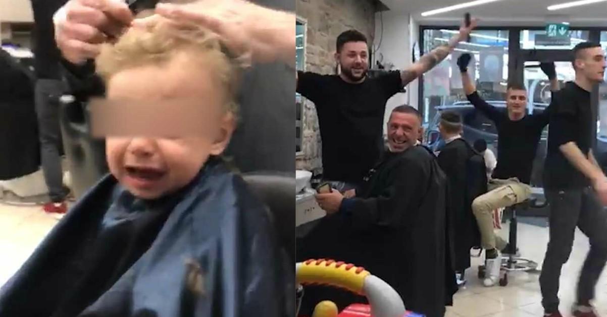 """Bimbo non vuole farsi tagliare i capelli: tutti intonano """"Ci son due coccodrilli…"""""""