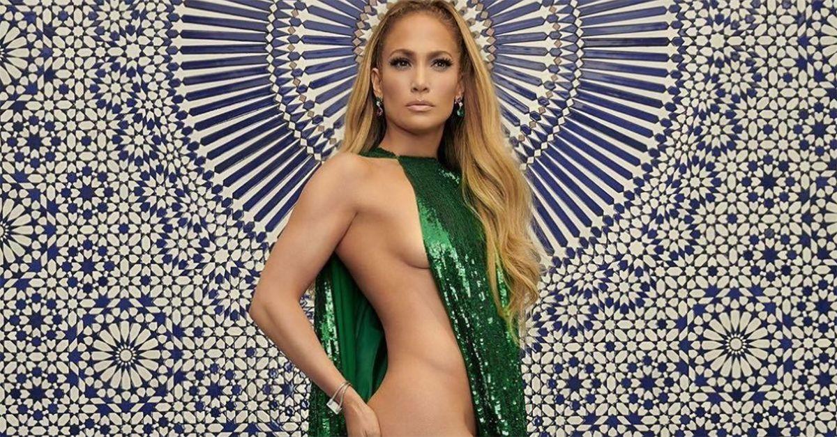 """Jennifer Lopez, sotto il vestito niente: nuda a 49 anni per """"InStyle"""""""