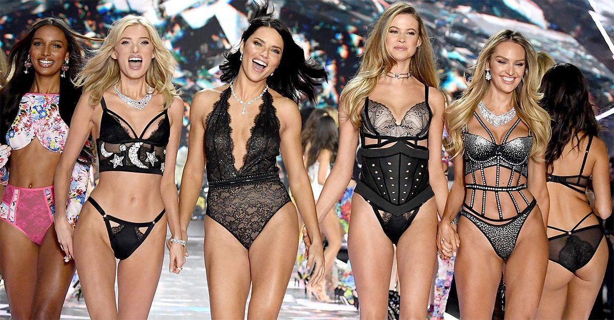 New York, la sfilata di Victoria's Secret: le foto e il backstage