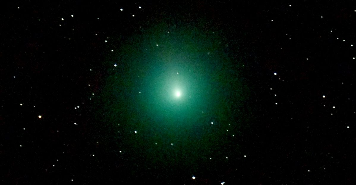 Stasera passa la cometa di Natale: come fare per vederla (anche a occhio nudo)