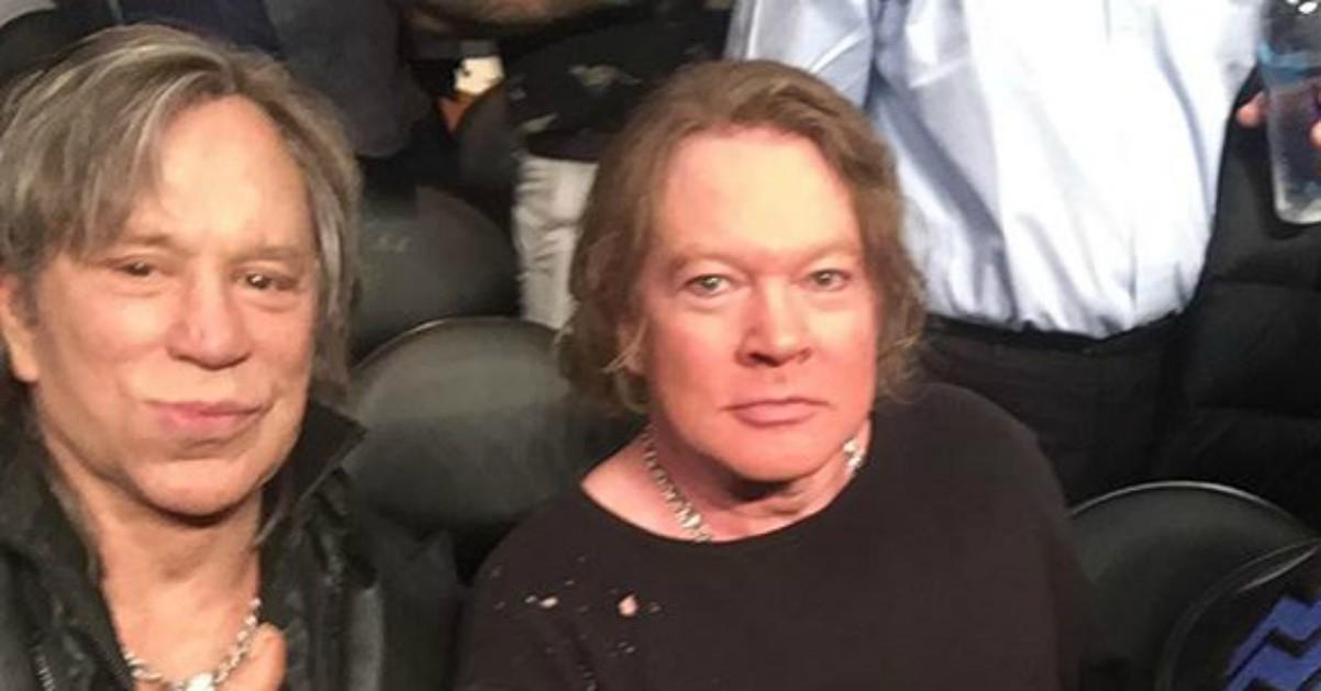 Mickey Rourke e Axl Rose fotografati insieme allo Staples Center di Los Angeles: irriconoscibili