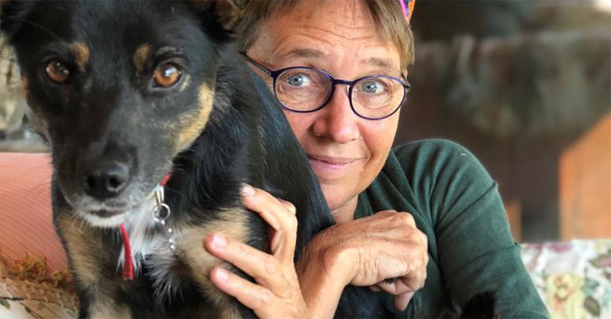 Il commovente addio di Susanna Tamaro alla sua cagnolina, uccisa da un boccone avvelenato