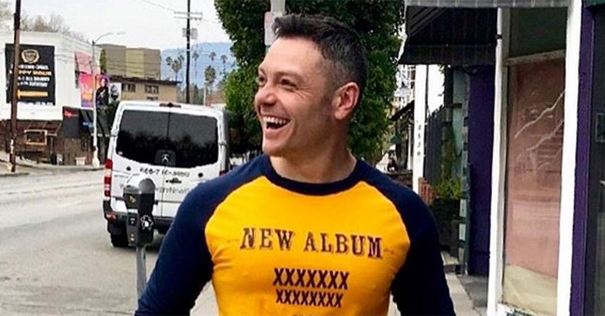 Tiziano Ferro annuncia così la data di uscita del nuovo album
