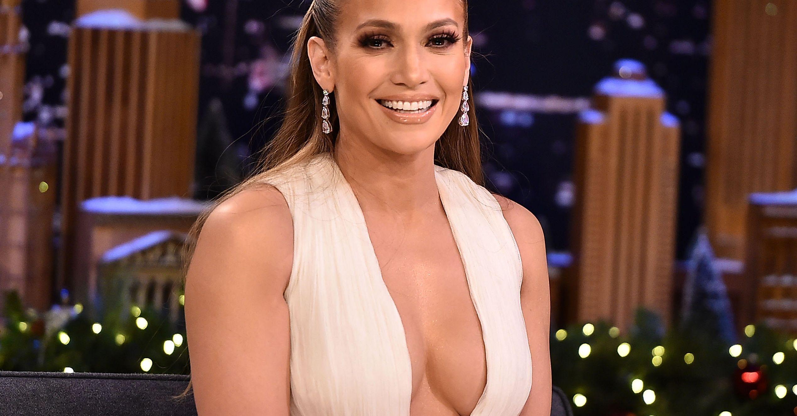 """Jennifer Lopez si mostra senza trucco, fan in delirio: """"Sei ancora più bella!"""""""