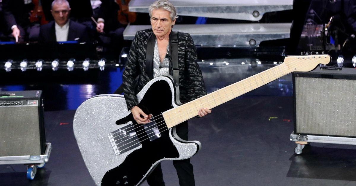 """Sanremo, Ligabue e Baglioni cantano """"Dio è morto"""" di Guccini. Il video"""