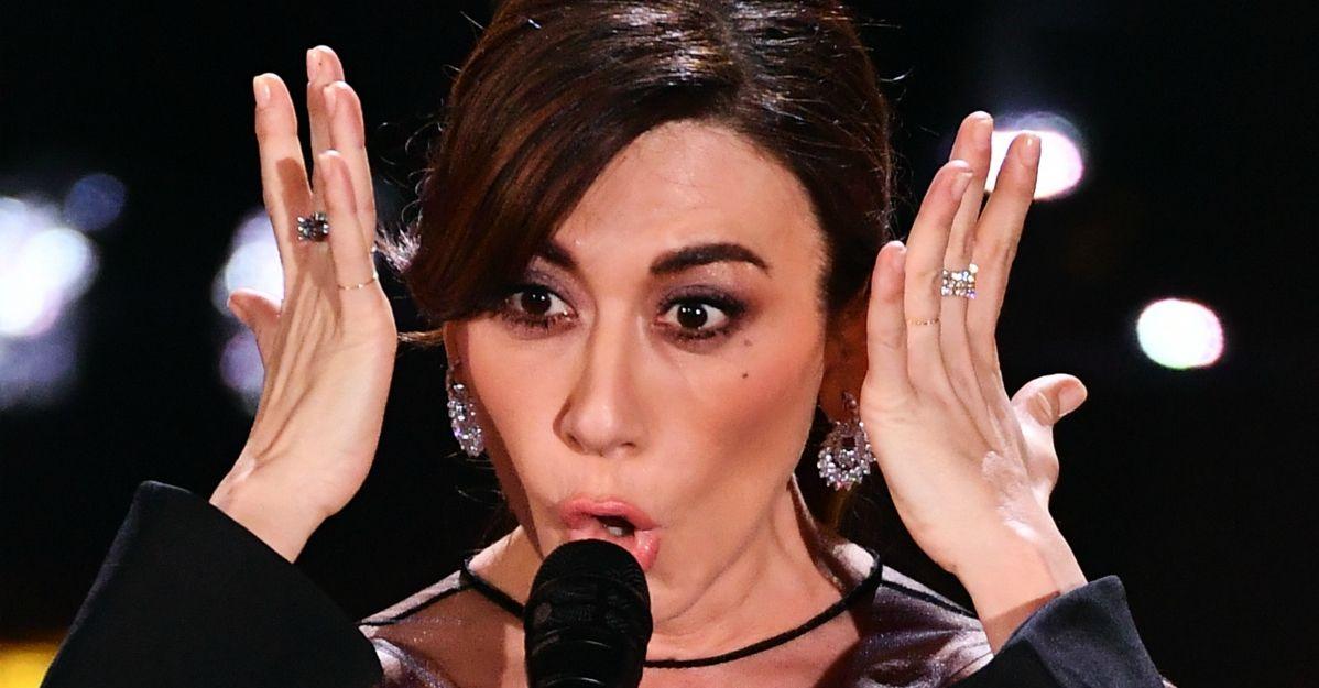 Sanremo. 5 voci in una: Virginia Raffaele imita Ayane, Ferreri, Pravo, Mannoia e Vanoni