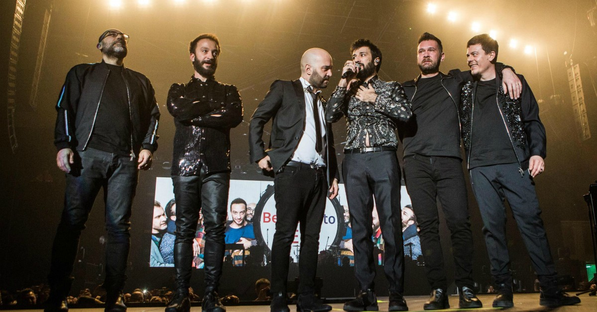 Negramaro, Lele Spedicato a sorpresa sul palco del concerto a Rimini