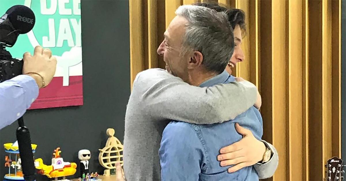 Le Iene, lo scherzo a Linus: il figlio è l'amante della prof, sposata e 40enne