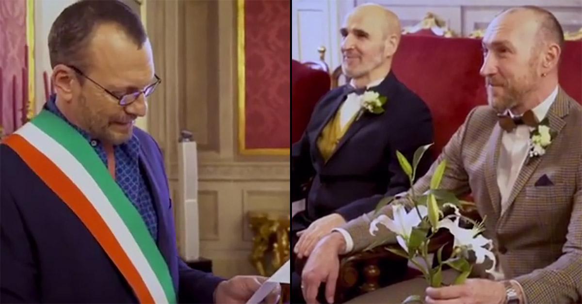 """Bologna, Biagio Antonacci """"sposa"""" Davide e Mataro: """"A loro auguro ogni bene"""". E' polemica social"""
