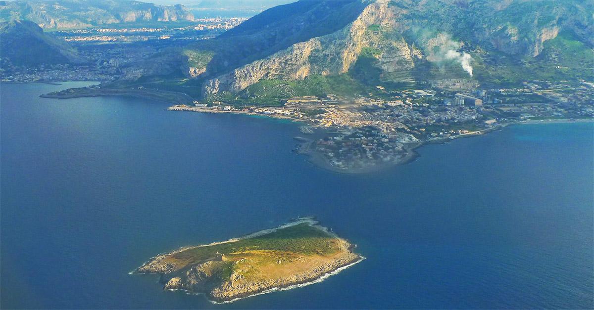 Palermo, è in vendita l'Isola delle Femmine: un milione di euro per il piccolo atollo