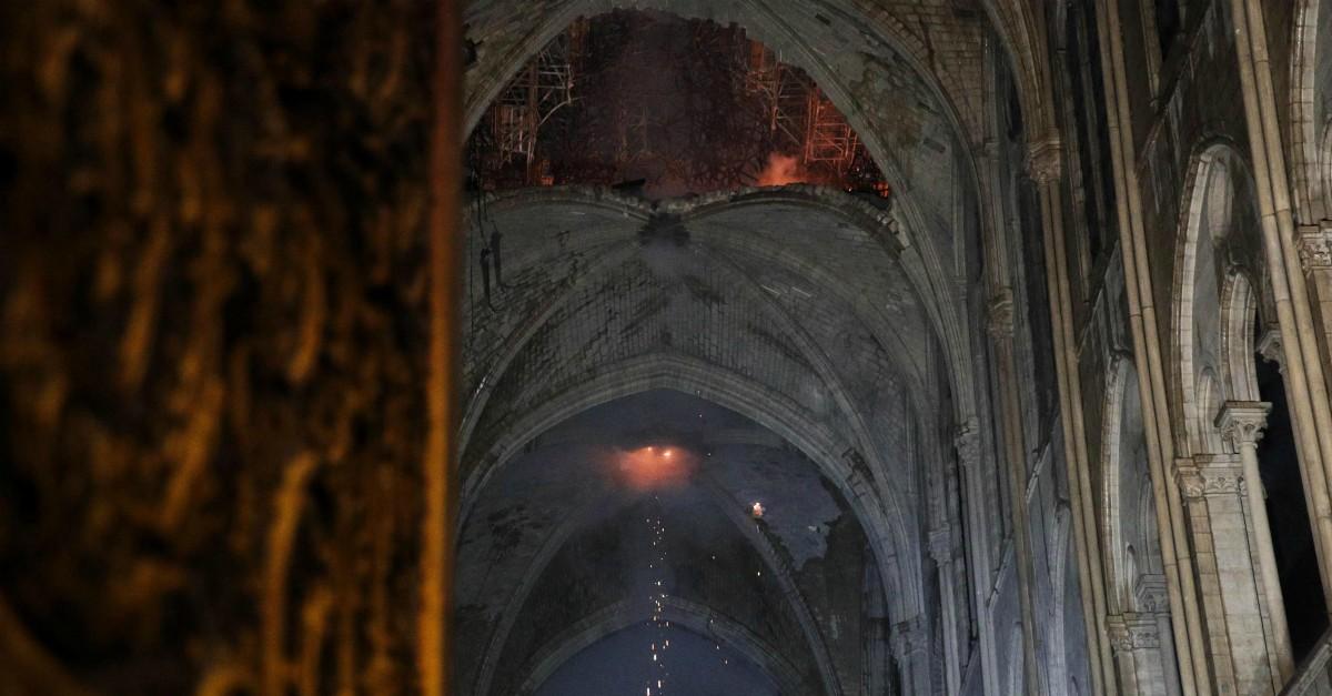 Notre-Dame: le prime immagini dell'interno della cattedrale devastata dalle fiamme