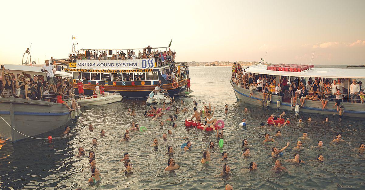 Cinque giorni di festival in un luogo magico. Torna Ortigia Sound System (e i suoi boat party)