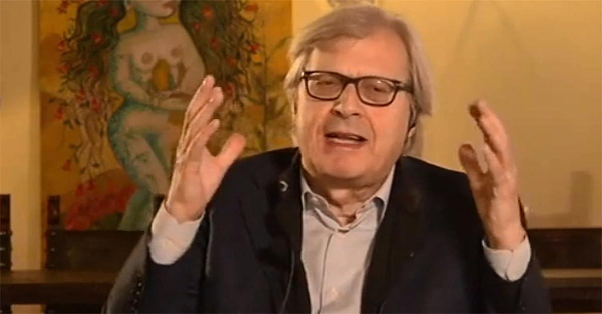 """Incendio a Notre-Dame, Vittorio Sgarbi: """"E' un dramma ma non una tragedia. Era già rifatta"""""""