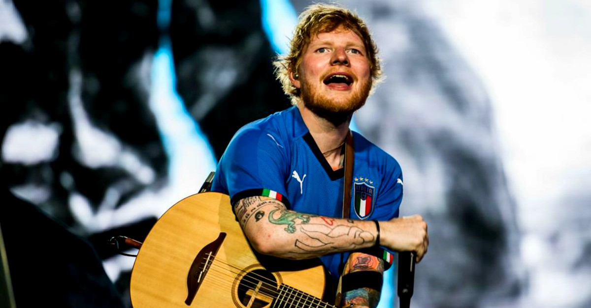 "Ed Sheeran canta in italiano ""Perfect"" con tutto San Siro a fargli il coro: il video"