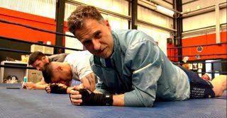 Il pugile De Carolis oggi dal Trio Medusa: Gabriele lo ha sfidato sul ring