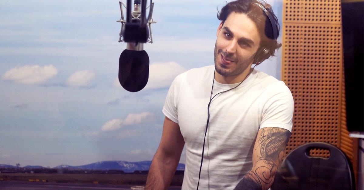 Alberto Urso canta 'O Sole Mio. L'esibizione del vincitore di Amici a Pinocchio