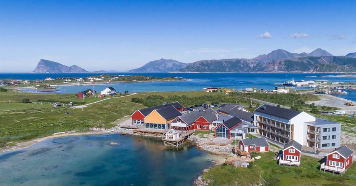 """Norvegia, 69 giorni senza notte: gli abitanti di Sommarøy chiedono di vivere """"senza tempo"""""""