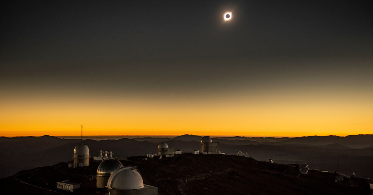 Lo spettacolo dell'eclissi solare totale in Cile e Argentina