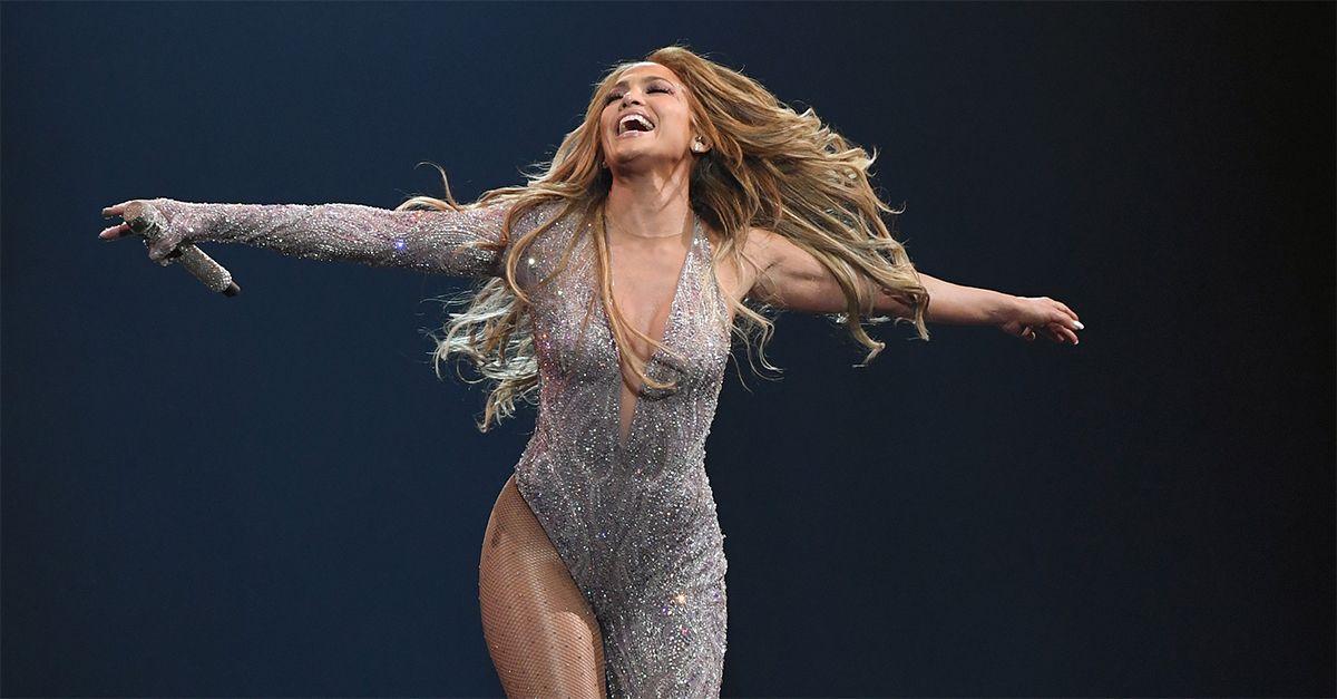 """Jennifer Lopez compie 50 anni: """"Ero una ragazza portoricana del Bronx. Ho conquistato i miei sogni"""""""