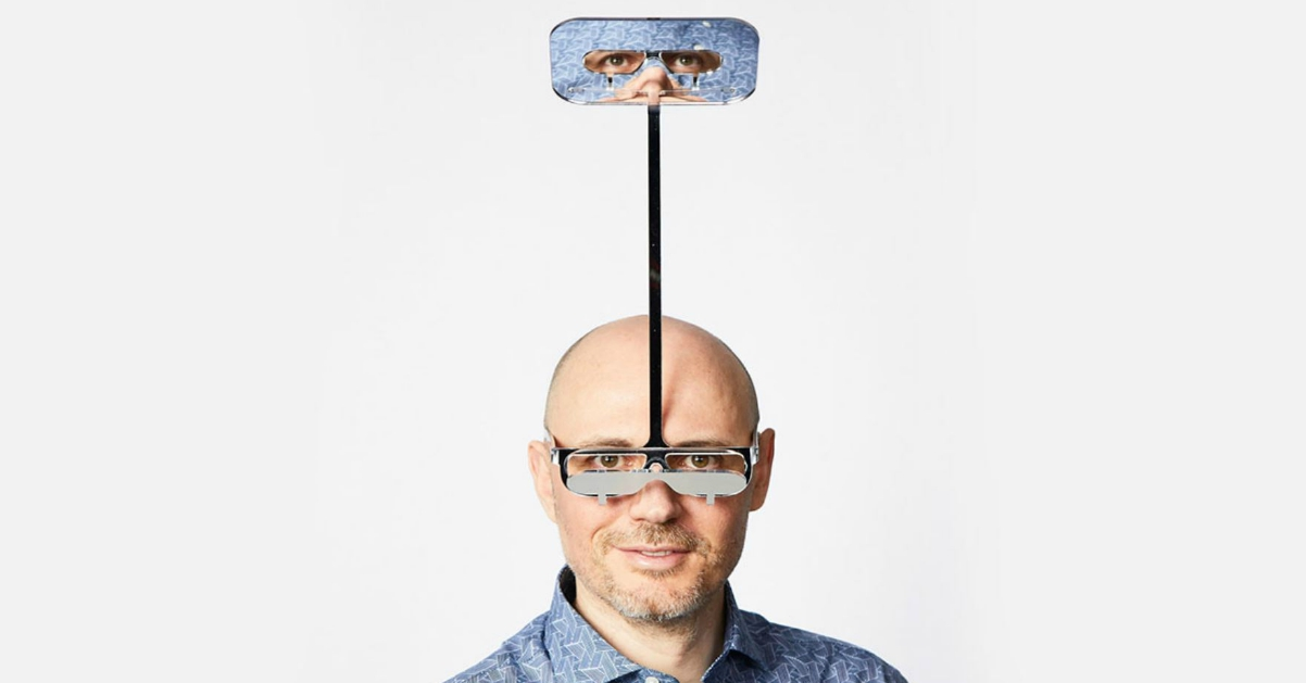 Ecco gli occhiali che aiutano le persone basse a vedere ai concerti