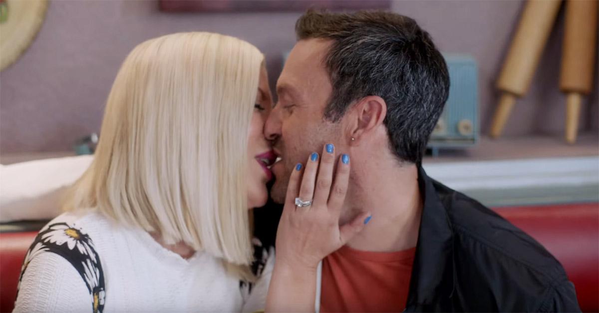 Beverly Hills, il bacio tra Donna e David: le nuove immagini della serie